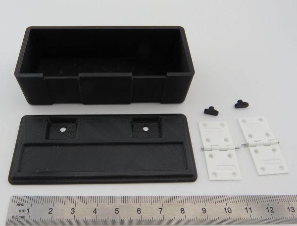 Plastic storage box with lid. Dimensions: 92x40x28