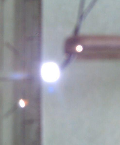 1x SMD biały (SMD 0805) z przewodów lutowanych LED