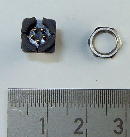 1 St. 5-polige Miniatur-Steckverbindung. Einbau-Dose
