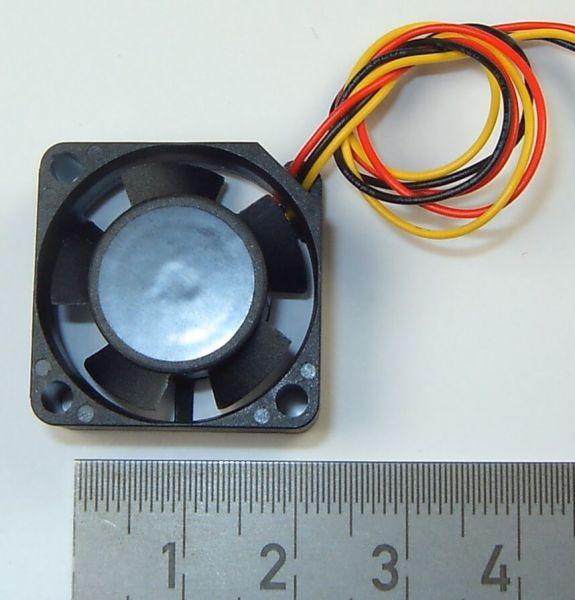 Rozstaw otworów 1 Micro-fan 25x25mm 20mm. 10mm gruba