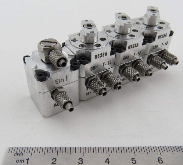 Hydraulik-Steuerventil 3-fach mit Ein-/Auslass-Block