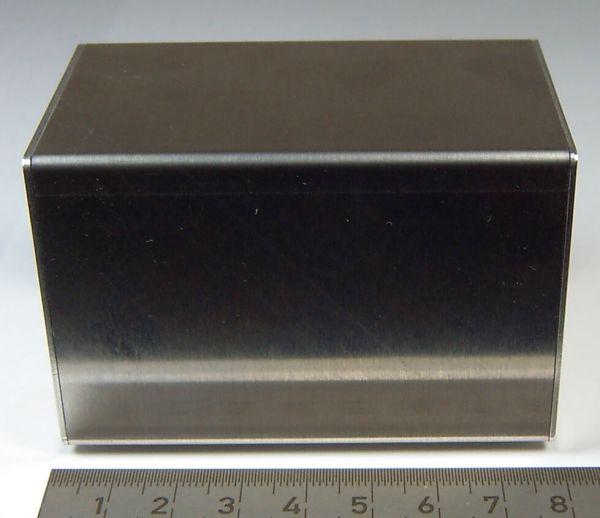 aluminiowy zbiornik 1 (zbiornik-dummy) 80x50x50mm. Zarówno pokrywa boczna