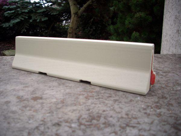 1 Element einer Beton-Schutzwand. Passt zum Wedico-Maßstab