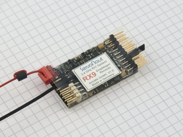 2,4GHz receiver with 9 servo channels.RX9. Capable partners. Under