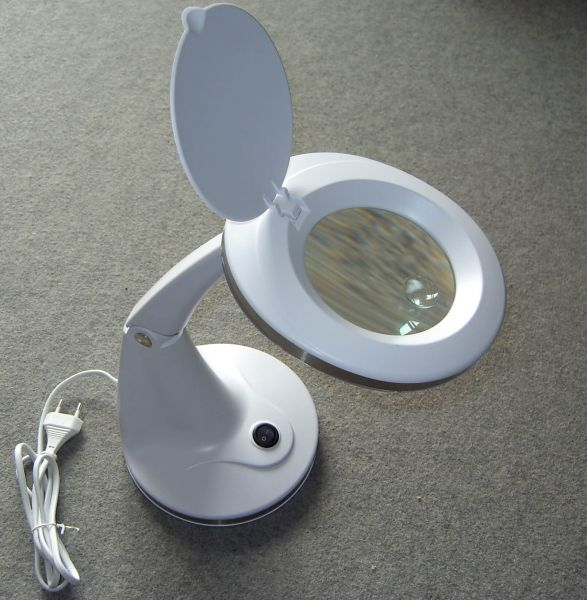 1 lupenlampe mit stabilem standfu wei lupen tischlampe lupen lampe werkzeuge fechtner. Black Bedroom Furniture Sets. Home Design Ideas